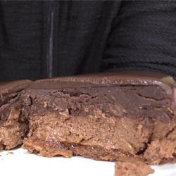 チョコレートケーキの王様ザッハトルテ(ファミマ)2