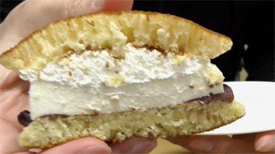 どら焼サンド-レアチーズ&つぶあん(ファミリーマート)3