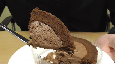 Uchi Cafe SWEETS×GODIVAゴディバショコラロールケーキ8