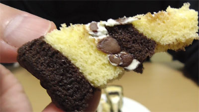 厚切りチョコバナナロール(山崎製パン)6