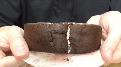 チョコの厚切りロール(ヤマザキ)4