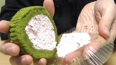 桜と抹茶のロールケーキ5