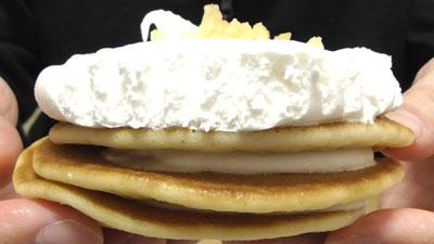 ココナッツミルククリームのパンケーキ5