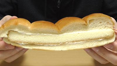 カステラサンドミルククリーム(フジパン)3