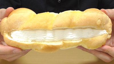 シフォンツイストサンド-ホイップ&カスタード(ヤマザキ)2
