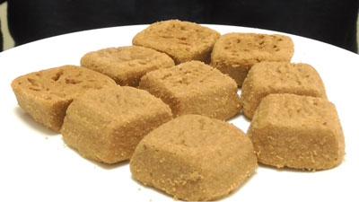 ほろほろ食感-ひとくち焼きショコラ-塩キャラメル(セブンイレブン×東ハト)3