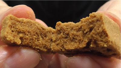 ほろほろ食感-ひとくち焼きショコラ-塩キャラメル(セブンイレブン×東ハト)11