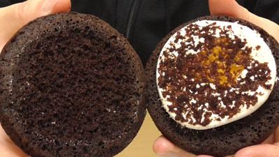 もっちりしたマシュマロクリームをサンドしたブラウニーケーキ(ファミリーマート)6