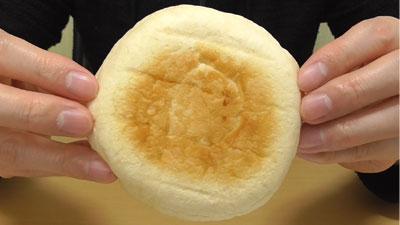 大福みたいなホイップあんぱん-安納芋(フジパン)5