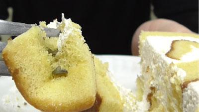 さつまいもと醤油のロールケーキ(ヤマザキ)18