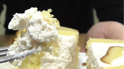 さつまいもと醤油のロールケーキ(ヤマザキ)16