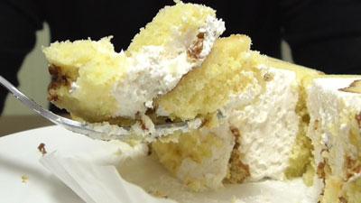 さつまいもと醤油のロールケーキ(ヤマザキ)15